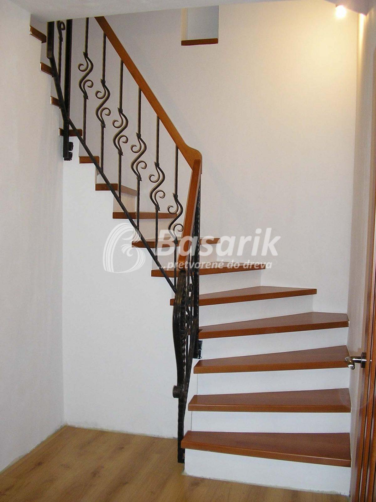 schody stupne drevené