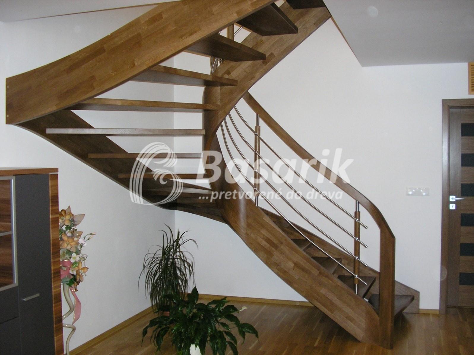 dubové samonosné schody