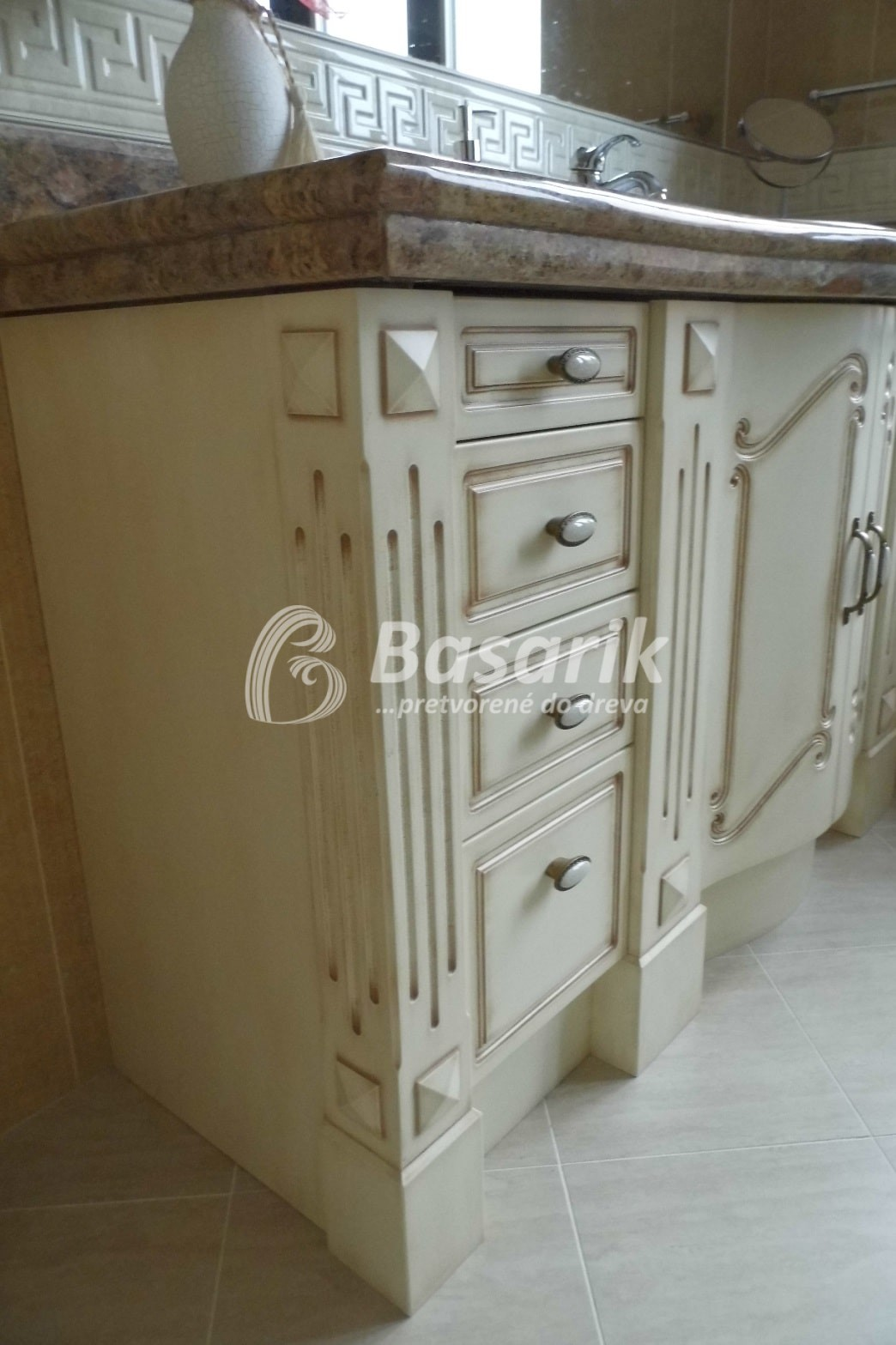 efb7887b21aa Provensálsky nábytok do kúpelne - schodykuchyne.sk